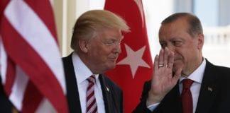 Τραμπ πλέκει το εγκώμιο Ερντογάν «Ταιριάζω μαζί του» Τραμπ: Μόνο μέχρι 100 F-35 μπορεί να αγοράσει η Τουρκία Τραμπ: Για την αγορά των τουρκικών S-400 φταίει ο Ομπάμα F-35 και S-400 Ερντογάν «Ψήνεται» επίσκεψη Τραμπ στην Τουρκία