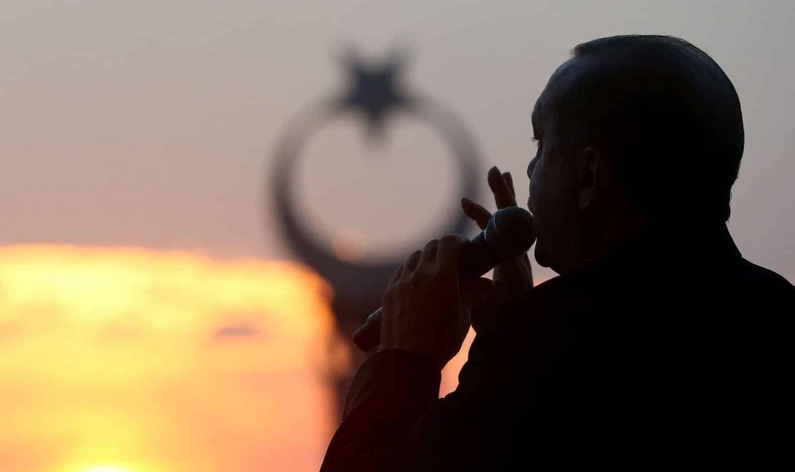 ΗΠΑ: «Σφαλιάρα» στην Τουρκία - Την έβαλαν σε black list Λιμάνι από την Τυνησία για τον τουρκικό στόλο απαιτεί ο Ερντογάν Ερντογάν: Πολεμικές ιαχές για Αιγαίο Ενίσχυση δυνάμεων στην Λιβύη Ερντογάν ζει Κυπριακή ΑΟΖ: Γιατί ο Ερντογάν ΔΕΝ θα τολμήσει γεώτρηση τώρα Μυστήριο με κεφάλαια 58 δισ $ στην Τουρκική Κεντρική Τράπεζα Ερντογάν