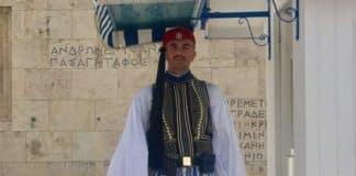 Εύζωνας Σπύρος Θωμάς: Θρήνος και ποίημα στον σύλλογο Ευζώνων