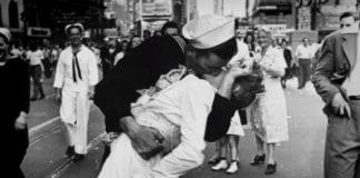 Πέθανε ο πιο διάσημος ναύτης στον κόσμο