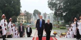 Τραμπ: Η Βόρεια Κορέα μπορεί να γίνει ...Βιετνάμ