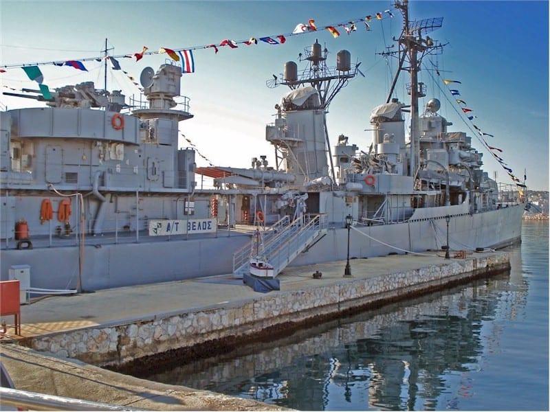 Αντιτορπιλικό ΒΕΛΟΣ: 47 βουλευτές ΣΥΡΙΖΑ ζητούν άρση της απαξίωσης του πλοίου που έγινε σύμβολο του αντιδικτατορικού αγώνα Κίνημα Ναυτικού: Οργή Ναυάρχου για την προσβολή στο ΒΕΛΟΣ Αντιτορπιλικό ΒΕΛΟΣ: Στη Θεσσαλονίκη