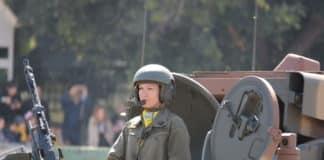 Με τη στρατιωτική παρέλαση κορυφώνονται οι εκδηλώσεις στη Θεσσαλονίκη για την επέτειο της 28ης Οκτωβρίου, παρουσία του Πρόεδρου της Δημοκρατίας, Προκόπη Παυλόπουλου.