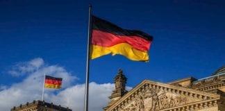 Αγία Σοφία Γερμανία: Ρεκόρ στις εξαγωγές όπλων που εγκρίθηκαν το 2019 - Η συνολική αξία έφθασε το ποσό ρεκόρ των σχεδόν 8 δισεκατομμυρίων ευρώ Βερολίνο: Κυβερνοεπίθεση οι βλάβες στο αεροπλάνο της Μέρκελ;