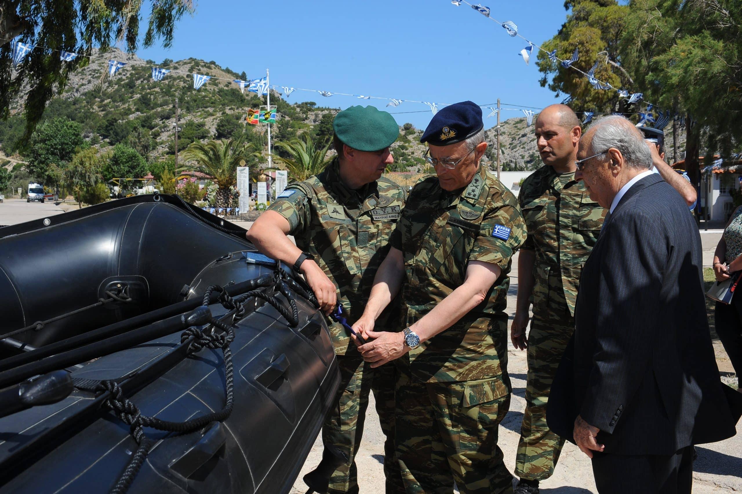 Στρατός Ξηράς: Ποιος δώρισε τα 4 Zodiac που παρέλαβε ο Αρχηγός ΓΕΣ
