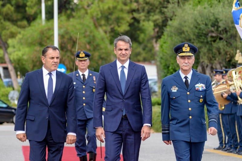 Πτέραρχος Χριστοδούλου: Κράτησε μυστική τη συμφωνία για γαλλικές φρεγάτες - Την αποκάλυψε τώρα, δέκα μήνες μετά την αποστρατεία του Κρίσεις Ενόπλων Δυνάμεων 2020: Η ώρα της αλήθειας στο ΚΥΣΕΑ «Η Εθνική Ασφάλεια δεν είναι παιχνίδι» - Άρχισαν τα όργανα... ΚΥΣΕΑ: Ποιοι έχουν δικαίωμα ψήφου - Σημαντικές αλλαγές και η ατζέντα