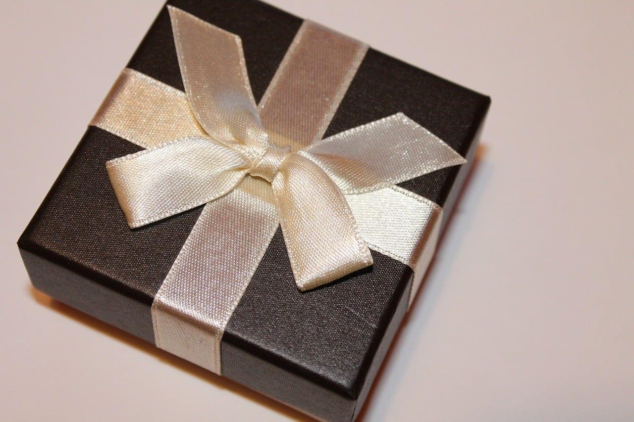 Γιορτή σήμερα 15 Νοεμβρίου Εορτολόγιο Ποιοι γιορτάζουν 16 Νοεμβρίου - Μην ξεχάσετε να τους ευχηθείτε τα χρόνια πολλά - Αγία Ιφιγένεια