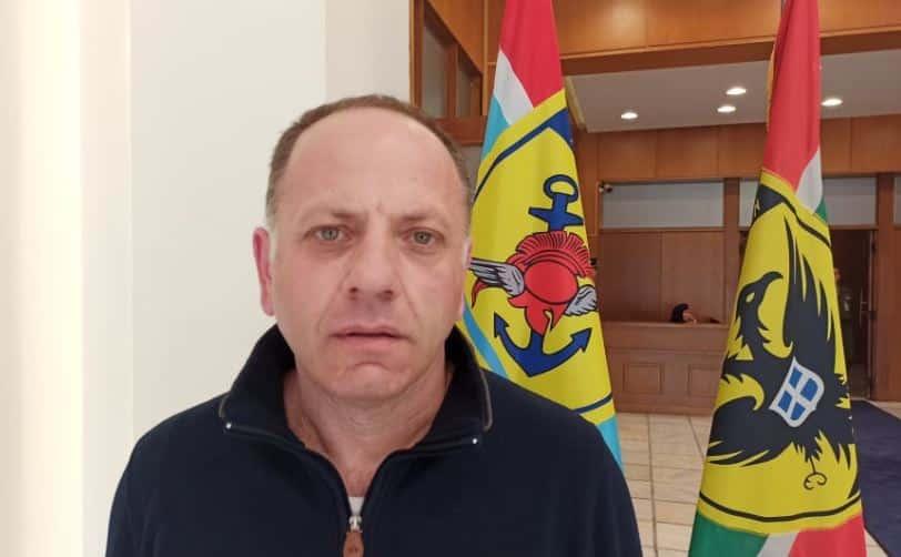 ΕΜΘ: Το υπουργείο άμυνας καθυστερεί την μισθολογική προαγωγή Μισθολόγιο ΕΜΘ: Δικαίωση του στρατιωτικού συνδικαλιστή Α. Κασιδόπουλου Στρατιωτικός συνδικαλισμός: Επώνυμη καταγγελία για το πώς συνδικαλιστές στελέχωσαν το γραφείο του υπουργού. Ο εισαγγελέας ακούει;