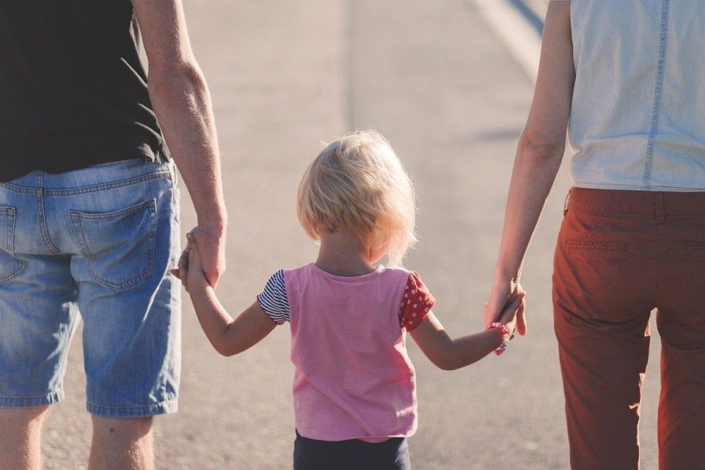 Α21: Άνοιξε η πλατφόρμα του ΟΠΕΚΑ για το επίδομα παιδιού