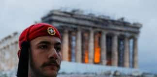 live Τι ώρα ξεκινάει σήμερα 25η Μαρτίου η στρατιωτική παρέλαση στην Αθήνα - Κυκλοφοριακές Ρυθμίσεις - Ποιοι δρόμοι θα είναι κλειστοί
