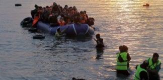 Η προστασία των συνόρων δεν είναι έργο δήθεν ''πατριωτών' Υβριδική απειλή: 130.000 πρόσφυγες μας στέλνει ο Ερντογάν