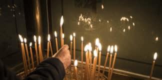 Χριστούγεννα 2020: Τι ισχύει για τις εκκλησίες και τη λειτουργία των χριστουγέννων - Μέχρι πόσα άτομα μπορούν να παρακολουθήσουν