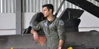 Ομάδα ΖΕΥΣ: Συγκλονιστικό ήταν το τελευταίο «αντίο» των στελεχών της 133 Σμηναρχίας Μάχης στον αδικοχαμένο πιλότο F-16 Μανώλη Γαρεφαλάκη