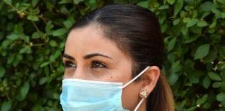 Οι υφασμάτινες μάσκες προσταεύουν λιγότερο από τις χειρουργικές - Σύσταση της Γαλλίας στους πολίτες της ποιες μάσκες να χρησιμοποιούν Κορονοϊός Ελλάδα: Συναγερμός… ένα στα τρία κρούσματα είναι 19–40 ετών - Και οι νέοι μπορεί να νοσήσουν και μπορεί να νοσήσουν σοβαρά