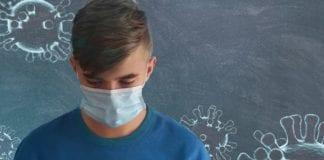 Αγιασμός στα σχολεία: Τι ώρα αρχίζει στις 14 Σεπτεμβρίου 2020 Άνοιγμα Σχολείων 7 Σεπτεμβρίου: Ποιος θα πληρώσει τις μάσκες Κορονοϊός: Να μην ανοίξουν σχολεία τον Σεπτέμβριο αν συνεχιστεί η ροή με τα κρούσματα ζητά επιδημιολόγος - Μεγάλη η διασπορά σε σχέση με τον Μάρτιο