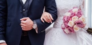 Γάμοι και βαφτίσεις με 300 άτομα, με μουσική αλλά χωρίς χορό στο γαμήλιο τραπέζι, ετοιμάζει η κυβέρνησ, αποκαλύπτει υπουργός Γάμοι και βαπτίσεις: Πόσα άτομα θα επιτρέπονται από Ιούνιο 2021 Κορονοϊός 5/8 σε Έβρο Ρόδο Θεσσαλονίκη κρούσματα από γάμους Κορονοϊός 5/8 σε Έβρο Ρόδο Θεσσαλονίκη κρούσματα από γάμους