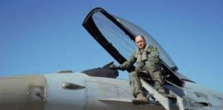 Ο Αρχηγός ΓΕΑ έκανε πτήση συντήρησης με F-16 Block 52+, στο πλαίσιο της διατήρησης της διαθεσιμότητας και των εξαμήνων για τη σύνταξη