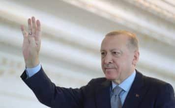 Πλακούδας: Οι Τούρκοι ναύαρχοι έθεσαν το δίλημμα «Ερντογάν ή Τανκς» Ελεύθεροι οι 10 ναύαρχοι που επέκριναν τον Ερντογάν - Έστησαν παιχνίδι;