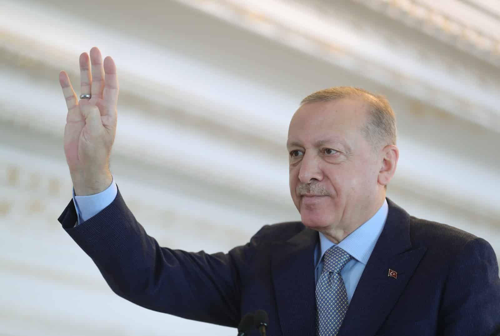 Κύπρος: Στα κατεχόμενα αύριο Δευτέρα 19 Ιουλίου ο Ερντογάν - Τα τουρκικά ΜΜΕ δημοσιεύουν το πρόγραμμά του Πλακούδας: Οι Τούρκοι ναύαρχοι έθεσαν το δίλημμα «Ερντογάν ή Τανκς» Ελεύθεροι οι 10 ναύαρχοι που επέκριναν τον Ερντογάν - Έστησαν παιχνίδι;