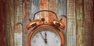 Τι ώρα είναι τώρα στην Ελλάδα μετά την αλλαγή ώρας 2021 σε θερινή - Στις 3 τα ξημερώματα οι δείκτες γύρισαν μια ώρα μπροστά κι έδειξαν 4