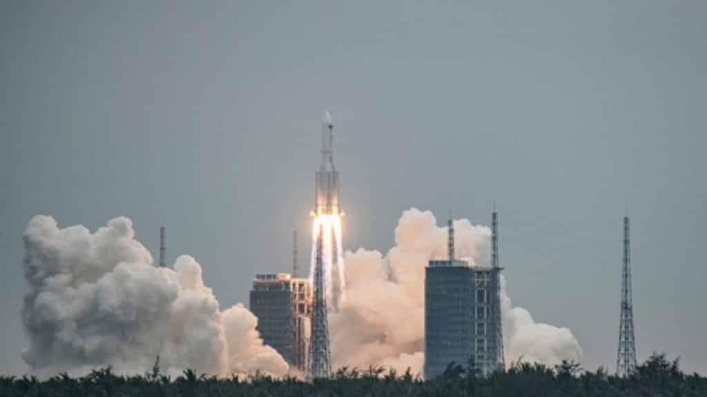 Συναγερμός: Κυριακή ο ανεξέλεγκτος κινέζικος πύραυλος πέφτει στη γη