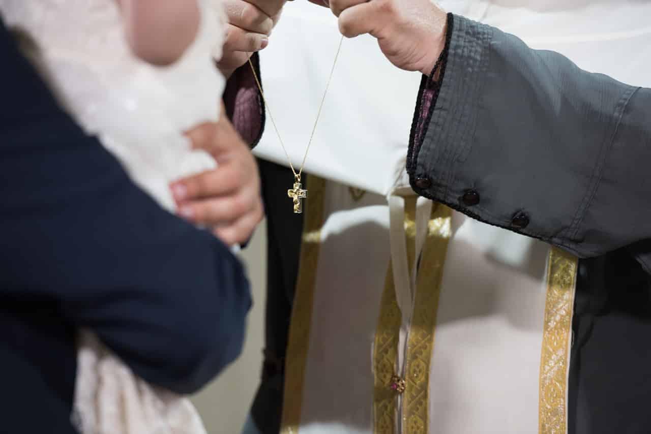 Βαπτίσεις και γάμοι με 400 άτομα και καφές με δέκα άτομα - Τέλος η μάσκα, η απαγόρευση κυκλοφορίας και τα self test σε εμβολιασμένους