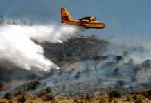 Ρόδος: Ολονύκτια μάχη με τις φλόγες - Χωρίς ρεύμα πολλές περιοχές